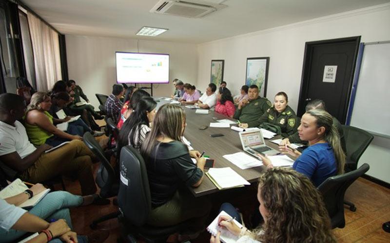 Gobernación del Valle busca mejorar ruta de atención a mujeres víctimas de violencia