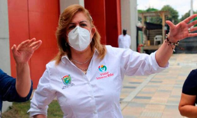 Gobernadora Clara Luz Roldán ordena suspender embargos a morosos de impuestos