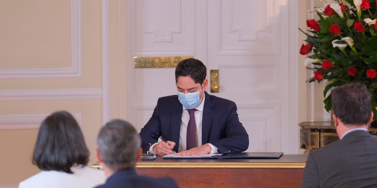 Guillermo Herrera se posesionó como nuevo ministro del Deporte