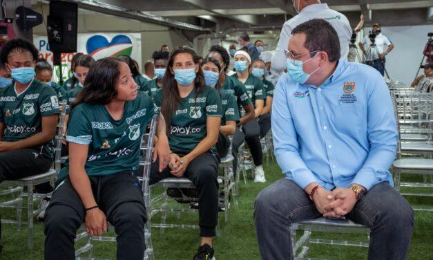 Deportivo Cali femenino recibe emotivo homenaje por su título de la Liga